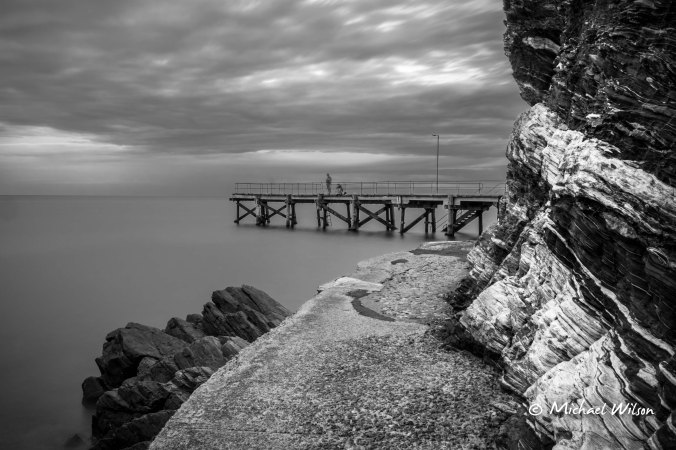 Jetty Black & White